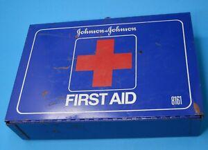 VTG JOHNSON & JOHNSON FIRST AID KIT WALL MOUNT BLUE METAL CASE EMPTY #8161