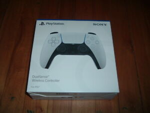 SONY DUALSENSE WIRELESS CONTROLLER~ PS 5~ WHITE~ BRAND NEW 2020~ SEALED~