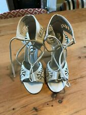 SCHUH WOMENS HIGH HEEL SHOES SIZE 4