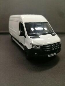 Mercedes-benz Sprinter white kinsmart toy car model 1/48 scale diecast metal new