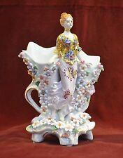 Statuina in Porcellana Portafiori Figura Damina con Fiori Dorata no Ceramica
