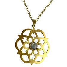 Modeschmuck-Halsketten & -Anhänger aus Stein und Messing mit Labradorit