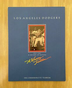 VINTAGE 1984 LOS ANGELES DODGERS OFFICIAL BASEBALL YEARBOOK - STEVE YEAGER