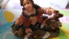 Boyds Dollstone #3556 Susan with Cupid.Paper Hearts,