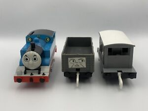Tomy Trackmaster Plarail *MINT* Angry Thomas with Troublesome Trucks!