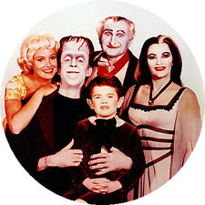 CHAPA/BADGE LA FAMILIA MONSTER . pin button the munsters herman lily grandpa