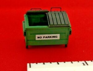 HO 1:87 Scale Details: Green Industrial Dumpster with Sign
