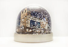SNOW GLOBE di Londra, NEVE Shaker, Tower Bridge, Canary Wharf