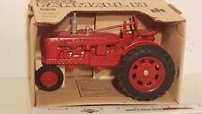 Ertl McCormack Farmall H 1/16 diecast metal farm tractor replica collectible