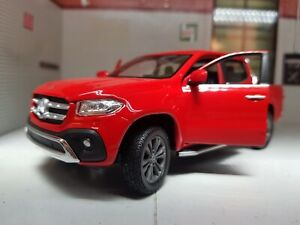 1:24 1:27 Scala Mercedes Benz X Classe Rosso Pick Up 2017 WELLY Modellino