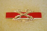 US USA Army Combat Artillery Large Military Hat Lapel Pin
