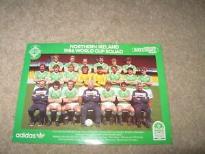 SIGNED BY (ALL PLAYERS)1986 NORTHERN IRELAND WORLD CUP SQUAD POSTCARD