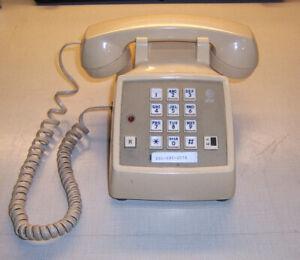 ATT model 2500DMG C Pushbutton Office Desk Telephone W/Ringer & Hold