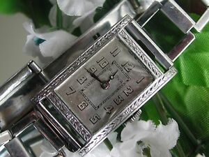1928 Art Deco Unisex Bulova Watch ~ Deco Linked Band ~ Runs