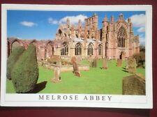 POSTCARD ROXBURGHSHIRE MELROSE ABBEY - THE BORDERS