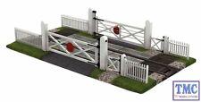 44-189 Scenecraft OO/HO Gauge Gated Level Crossing
