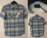 Oakley Men's Size Medium Short Sleeve Button Front Shirt Blue/Green/White Plaid