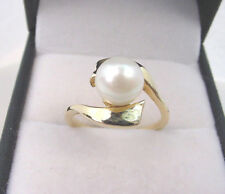 CULTURED AKOYA PEARL FINE BRIGHT WHITE COLOR 7.60 mm. VINTAGE 10K GOLD RING