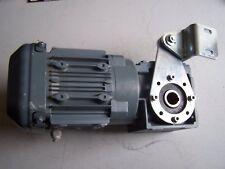 Motoréducteur triphasé SEW 0,37kw sortie 96 t/mn