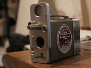 Bell And Howell 200 16mm Magazine Movie Camera Works, Needs Cosmetic Restoration