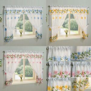 Daisy Kitchen Window Set. Choice of Colours & Sizes