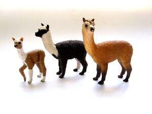 Lot of 3 SCHLEICH ALPACA LLAMAS Stallion, Mare & Foal