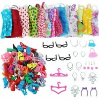 42 Artikel Puppen Zubehör Schuhe Halskette Brillen Taschen Kleider für Barbie.