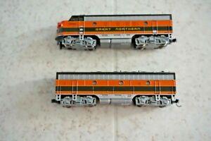 Kato N-Scale EMD F7 A/B Great Northern Locomotive Set 2 Powered