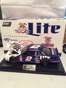 1997 Revell Collection 1:18  Rusty Wallace #2 Miller Lite Ford Thunderbird