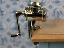 Macinatura MACCHINA, DOLLS HOUSE miniature ACCESSORIO CUCINA CARNE SMERIGLIATRICE