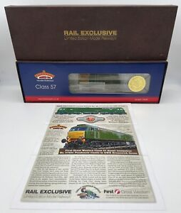 Bachmann 32-753X Rail Exclusive Class 57/6 Diesel Pendennis Castle OO DCC Fitted