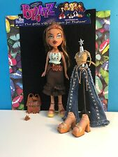 Bratz Doll Strut It Yasmin With Accessories Collectible Doll MGA