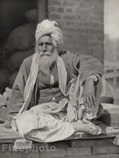 1928 Original INDIA Peshawar Bazaar Market Male Merchant Photo Art By HURLIMANN