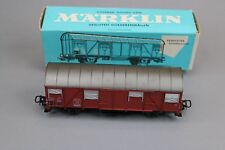 Y045 Marklin train 4627 wagon couvert 2 essieux toit argent caisse brune Märklin