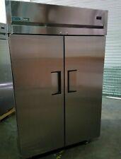 New True Tg2R-2S Reach-In Double Solid Swing Door Cooler