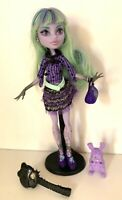 MONSTER HIGH DOLL TWYLA PET PURSE OUTFIT BRUSH STAND MATTEL EUC