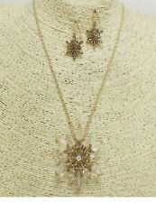 Gold and Crystal Snowflake Pendant FASHION Necklace Set