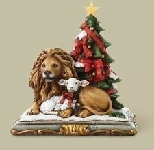 Joseph Studio Lion and Lamb with Christmas Tree Figurine