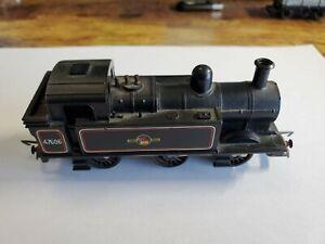 Hornby OO 0-6-0 Class Tank Steam Locomotive  R52