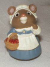 Hallmark Merry Miniature 1995 Thanksgiving Lady Mouse Pilgrim with Basket