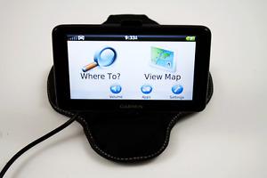 Garmin Nüvi 2555LMT Automotive Mountable GPS W/ Beanbag Dash Mount & Charger.