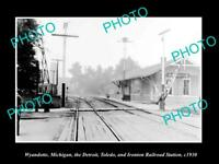 OLD LARGE HISTORIC PHOTO OF WYANDOTTE MICHIGAN THE DT&I RAILROAD DEPOT c1930
