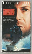 Striking Distance ,Bruce Willis,Sarah Jessica,(VHS, 1993, Closed Captioned)