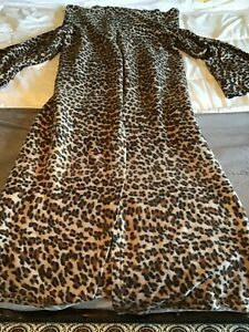 Snuggie Fleece Micro Plush Blanket w/ Sleeves Leopard Print