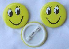 Drei Anstecker SMILEY Smilies gelb