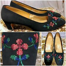 60s Classic Black Embroidered Needlepoint Tapestry Floral Pumps Heels size 10