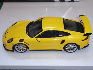 MINICHAMPS 1 18 DIECAST - PORSCHE GT3 RS RACING YELLOW