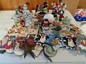 MIXED LOT OF 42 CHRISTMAS ORNAMENTS (ROCKING HORSES/NUTCRACKERS/SANTA ETC) L12