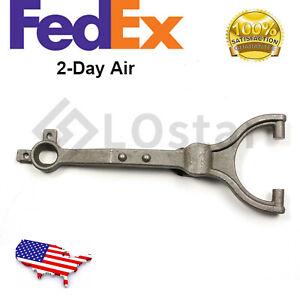 Clutch Fork-Premium Rhinopac CF121 Fits 80-92 Ford F700 (Fits: Ford F700)