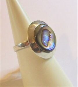 STERLING SILVER  MOTHER OF PEARL ABALONE  ROUND DISC RING VERY PRETTY  SIZE  N